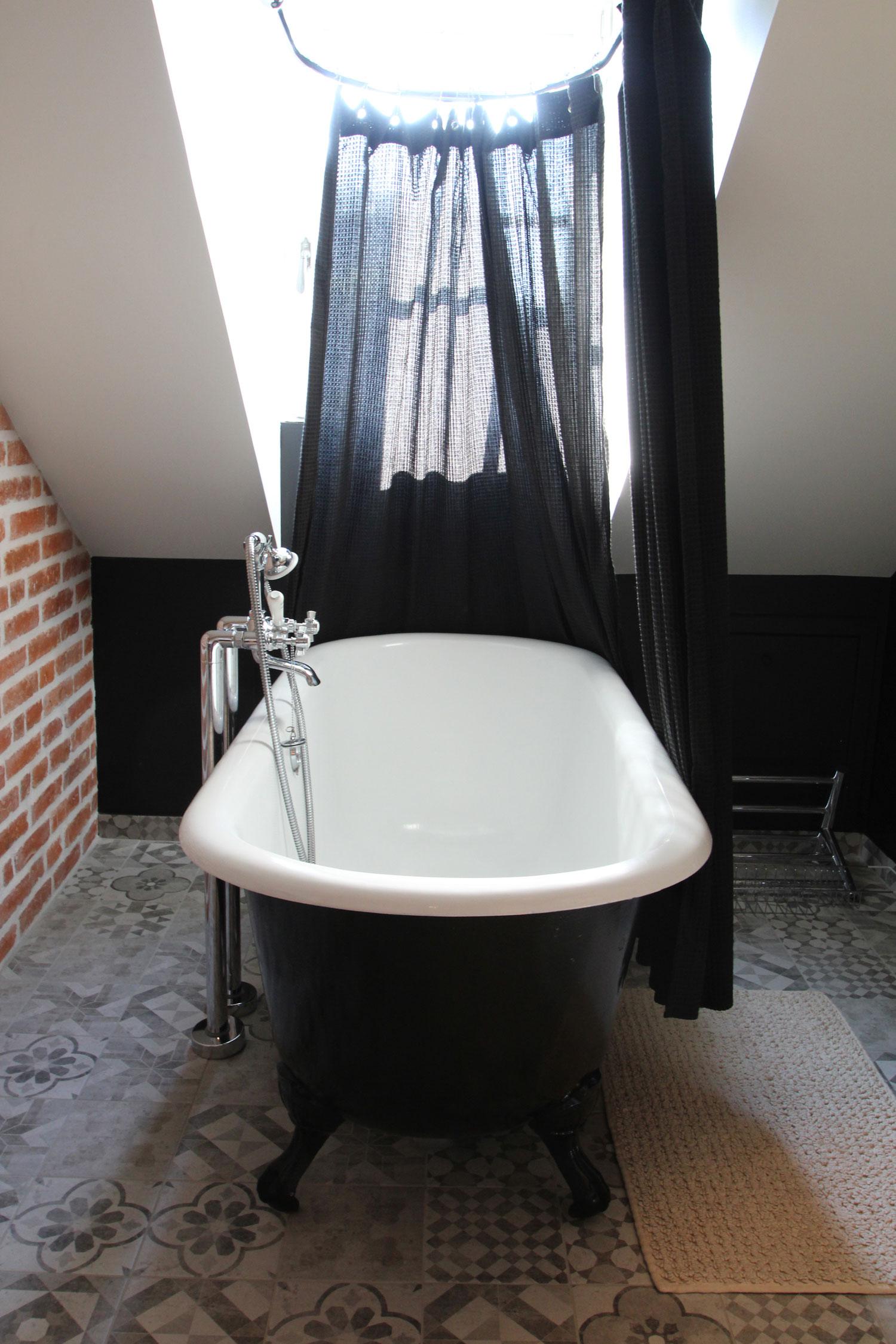 Salle de bain de notre location à Vannes.