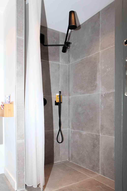 Exemple d'une salle de bain disponible dans les suites de notre maison à louer.